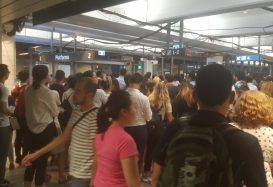 Thousands of Passengers Stranded at Sydneys Townhall Station